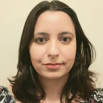 Professora Lilian Crepaldi de Oliveira Ayala
