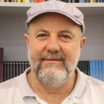 Professor Liráucio Girardi Jr.